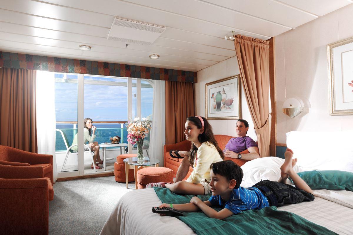 Royal caribbean grandeur of the seas photos for Cheap cruise balcony rooms